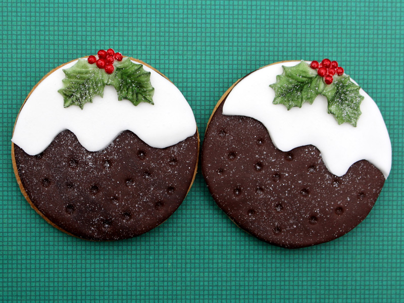 holly-trio-cake-mould-christmas-pudding-cookies