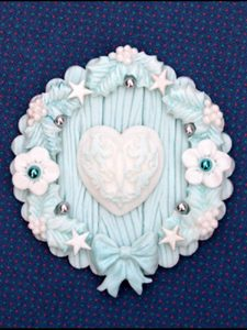 holly-trio-cake-mould-painted-cupcake-topper