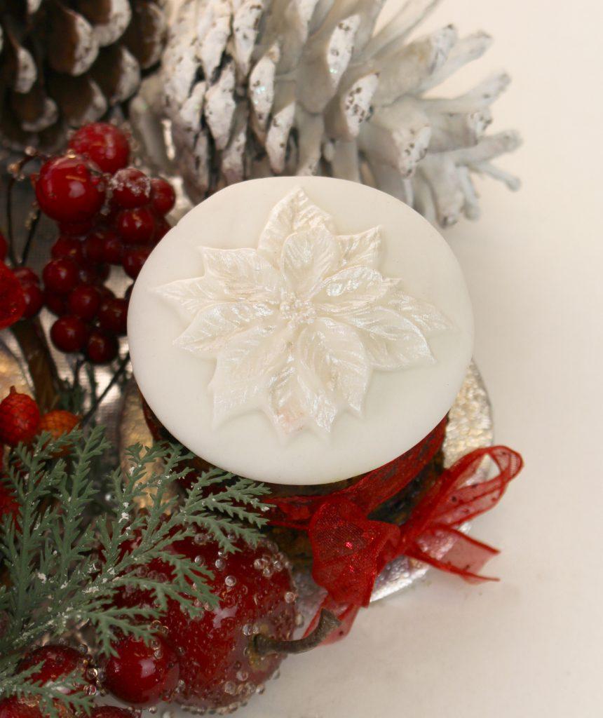 noreen_mini-christmas-cakes-3
