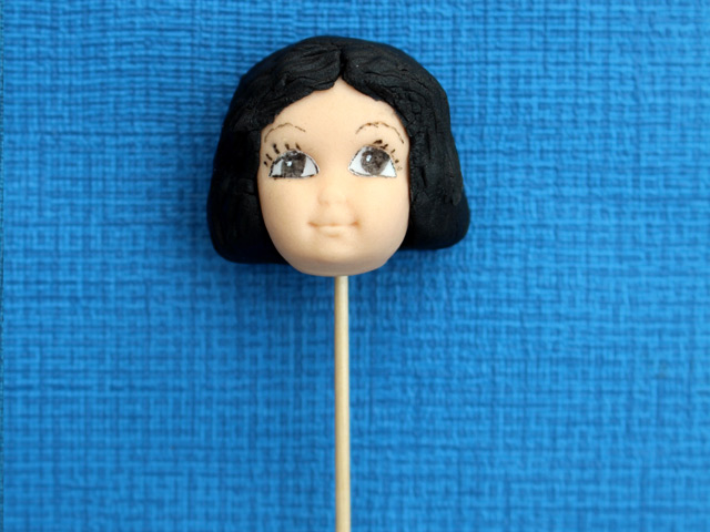 Girl-head-with-hair-from-figure-head-silicone-cake-mould