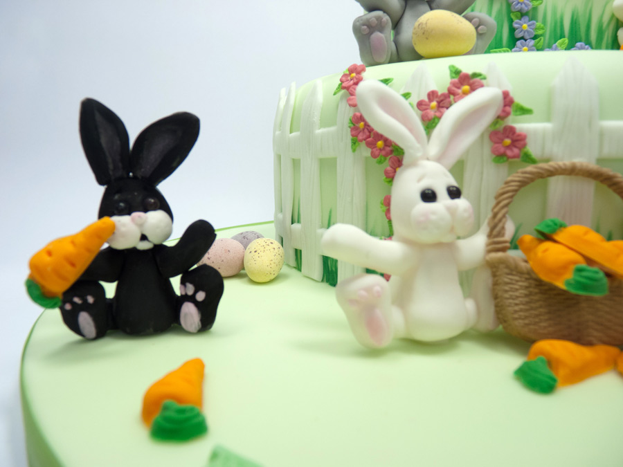 14-katy-sue-cake-mould-rabbits-carrot-basket