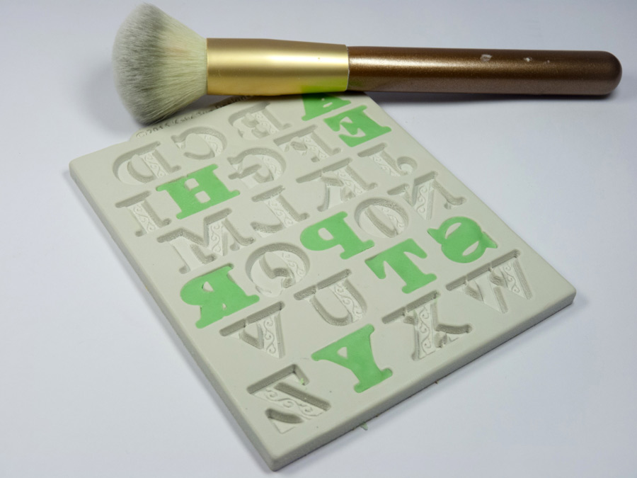 16-katy-sue-manuscript-alphabet-cake-mould